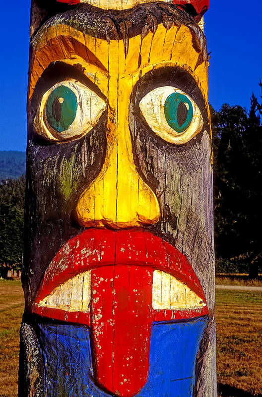 Totem Pole Tongue Sticking Out Art Print featuring the photograph Totem Pole With Tongue Sticking Out by Garry Gay