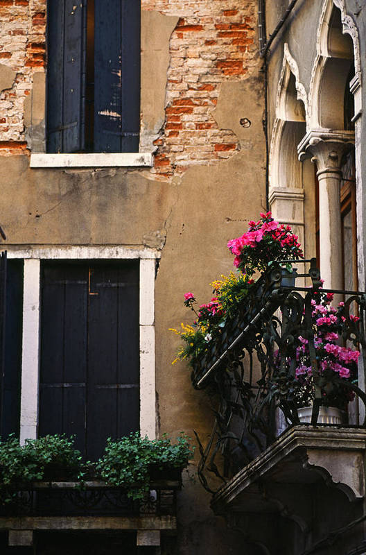 Venezia Art Print featuring the photograph Venezia Balcony by Carlos Diaz
