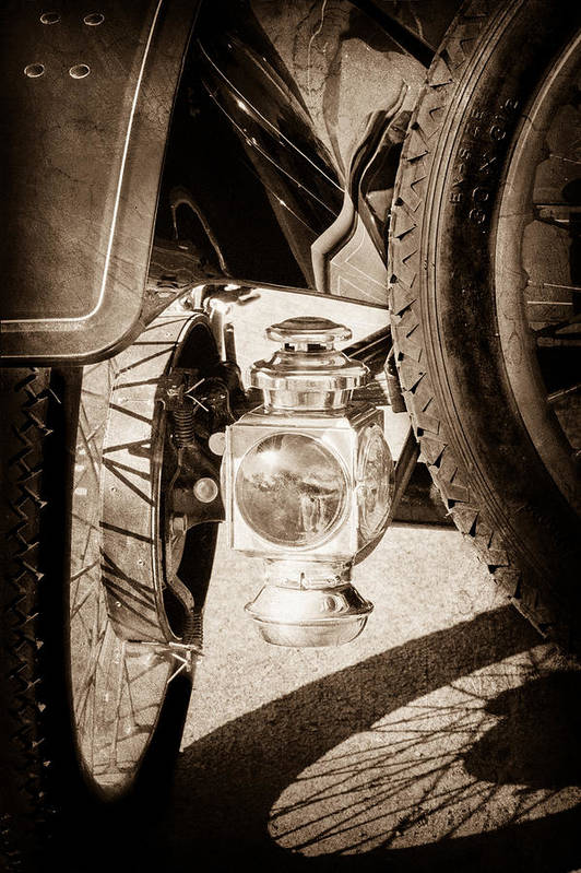 1911 Ford Model T Torpedo 4 Cylinder 25 Hp Taillight Art Print featuring the photograph 1911 Ford Model T Torpedo 4 Cylinder 25 Hp Taillight by Jill Reger