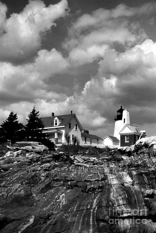 Lighthouses Art Print featuring the photograph Pemaquid Point Lighthouse by Skip Willits