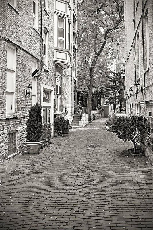 Chicago Print featuring the photograph Gaslight Court Chicago Old Town by Christine Till