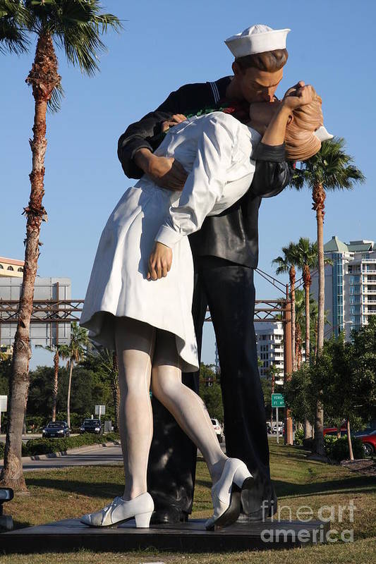 Art Art Print featuring the photograph Kissing Sailor - The Kiss - Sarasota by Christiane Schulze Art And Photography