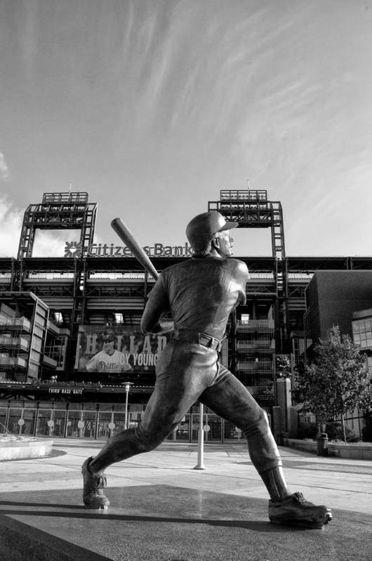 Mike Print featuring the photograph Mike Schmidt Statue In Black And White by Bill Cannon