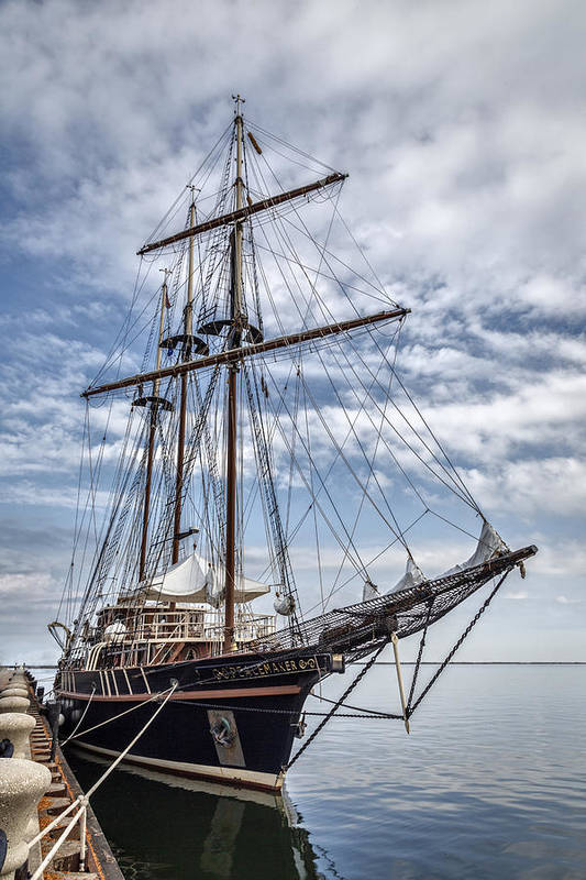 Peacemaker Art Print featuring the photograph The Peacemaker Tall Ship by Dale Kincaid