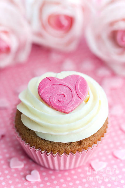 Cupcake Art Print featuring the photograph Valentine Cupcake by Ruth Black