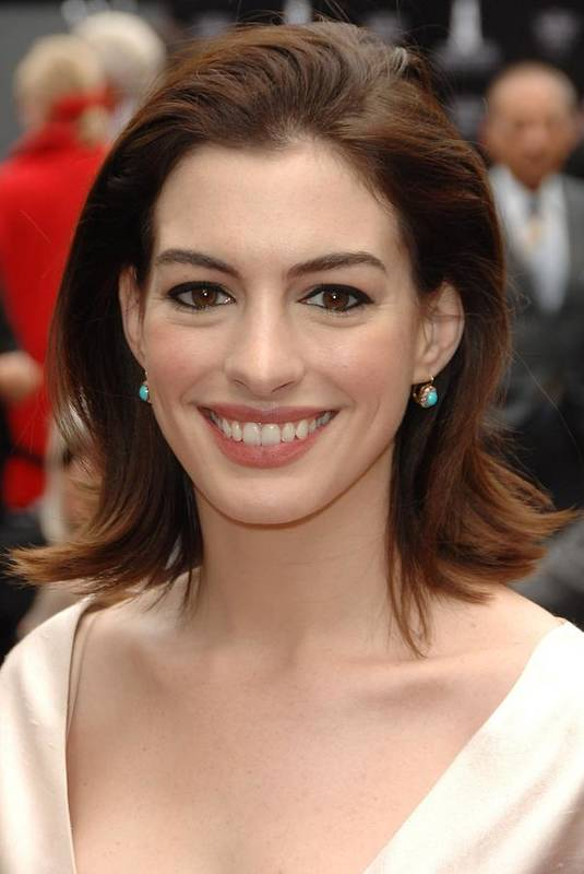 Anne Hathaway Art Print featuring the photograph Anne Hathaway At The Press Conference by Everett