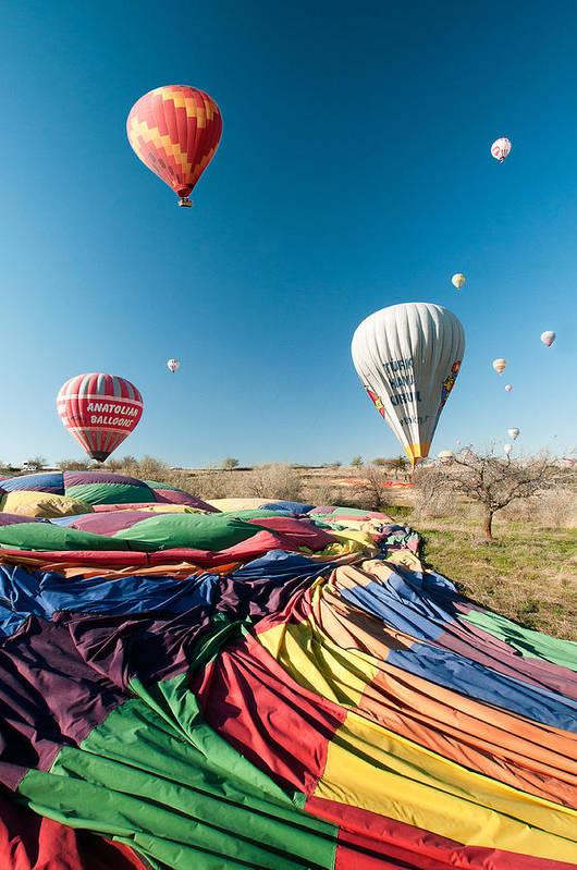 Ballons Art Print featuring the photograph Ballons - 5 by Okan YILMAZ
