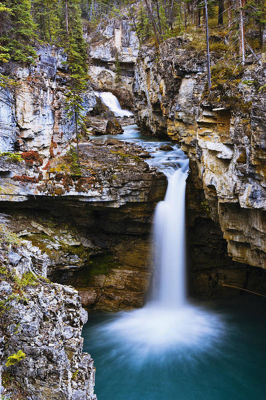 Beauty Creek Art Print featuring the photograph Overview Of Icefields Parkway, Beauty by Yves Marcoux