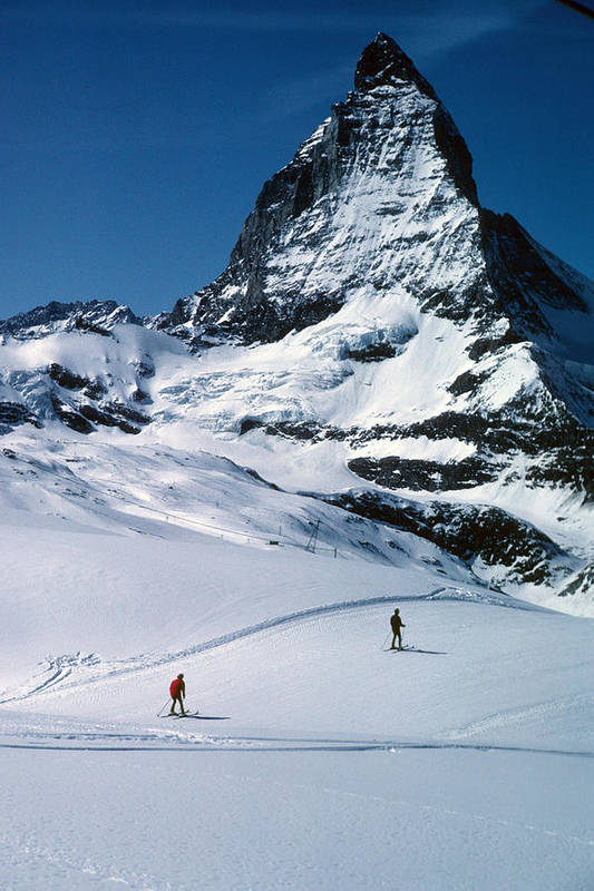 Awesome Art Print featuring the photograph Skiers At The Matterhorn by Carl Purcell