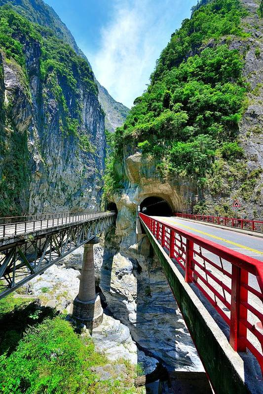 Vertical Art Print featuring the photograph Taroko Gorge by Photography By Anthony Ko