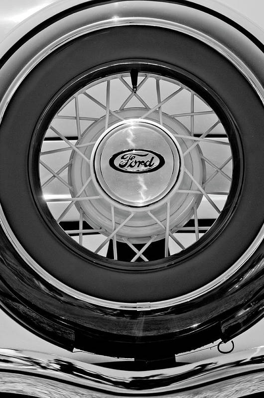 1934 Ford Roadster Art Print featuring the photograph 1934 Ford Roadster Spare Tire 2 by Jill Reger