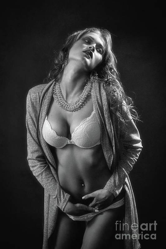 Salutations kissiennes. - Page 31 4-sensual-aroused-woman-aleksey-tugolukov