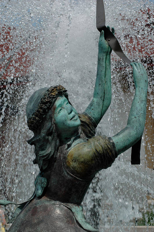 Usa Art Print featuring the photograph Frankenmuth Fountain Girl by LeeAnn McLaneGoetz McLaneGoetzStudioLLCcom