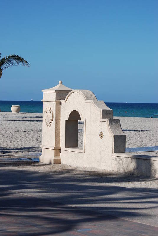Beach Art Print featuring the photograph Hollywood Beach Wall In Color by Rob Hans