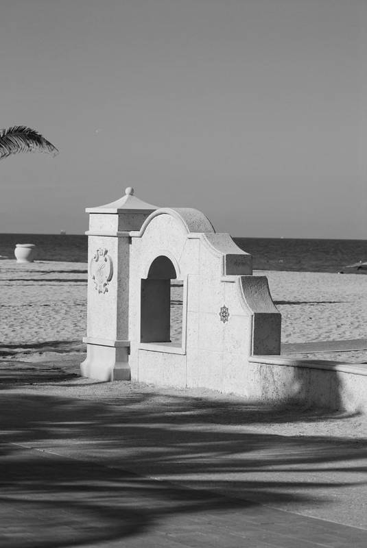 Black And White Art Print featuring the photograph Hollywood Beach Wall by Rob Hans