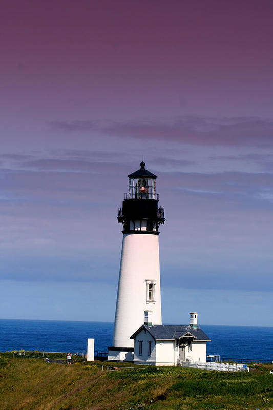 Lighthouse Art Print featuring the photograph Yakuina Head Lighthouse Li201 by Mary Gaines