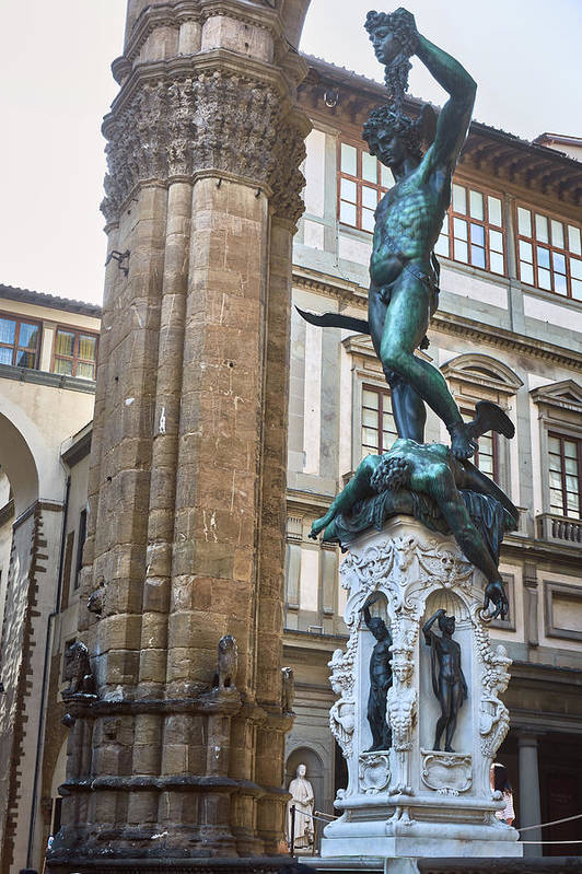 Sculpture of Perseus holding Medusa´s head at Piazza della Signoria in Florence