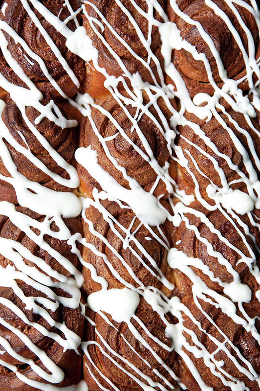Breakfast Art Print featuring the photograph Rows Of Cinnamon Rolls, Full Frame by Halfdark