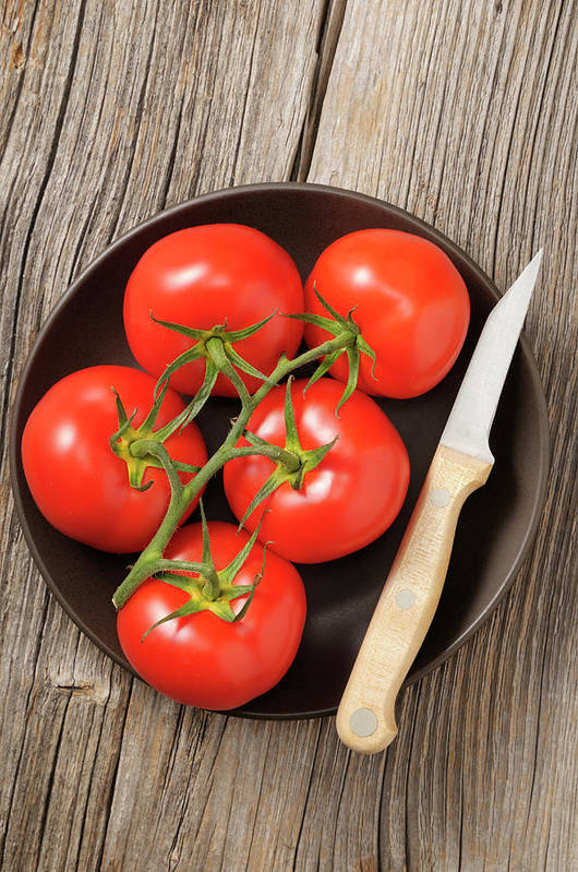 Kitchen Knife Art Print featuring the photograph Tomato by Riou