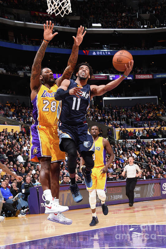 Nba Pro Basketball Art Print featuring the photograph Memphis Grizzlies V Los Angeles Lakers by Andrew D. Bernstein