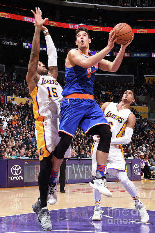 Guillermo Hernangómez Geuer Art Print featuring the photograph New York Knicks V Los Angeles Lakers by Andrew D. Bernstein