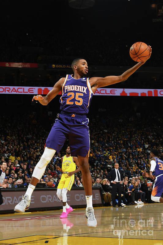 Nba Pro Basketball Art Print featuring the photograph Phoenix Suns V Golden State Warriors by Noah Graham