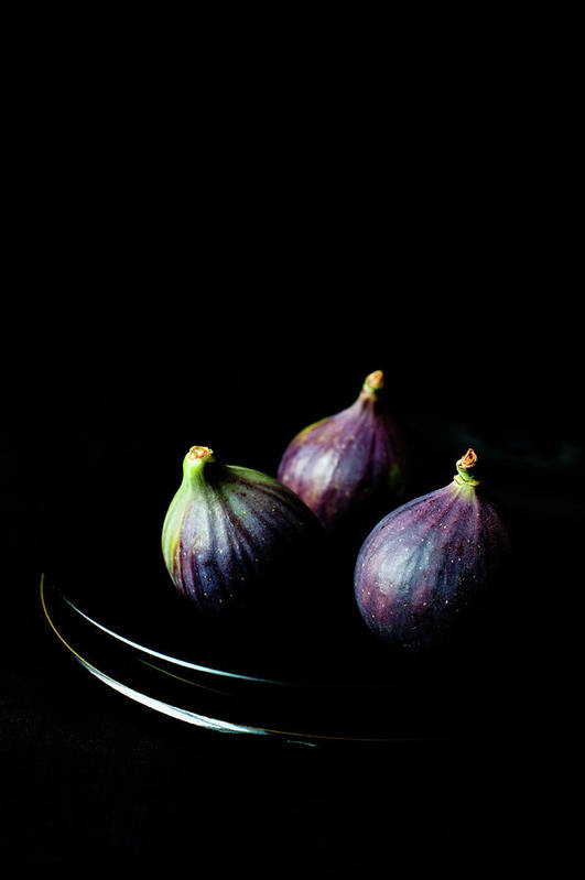 Black Background Art Print featuring the photograph Fresh Figs On Black Background by Sarka Babicka