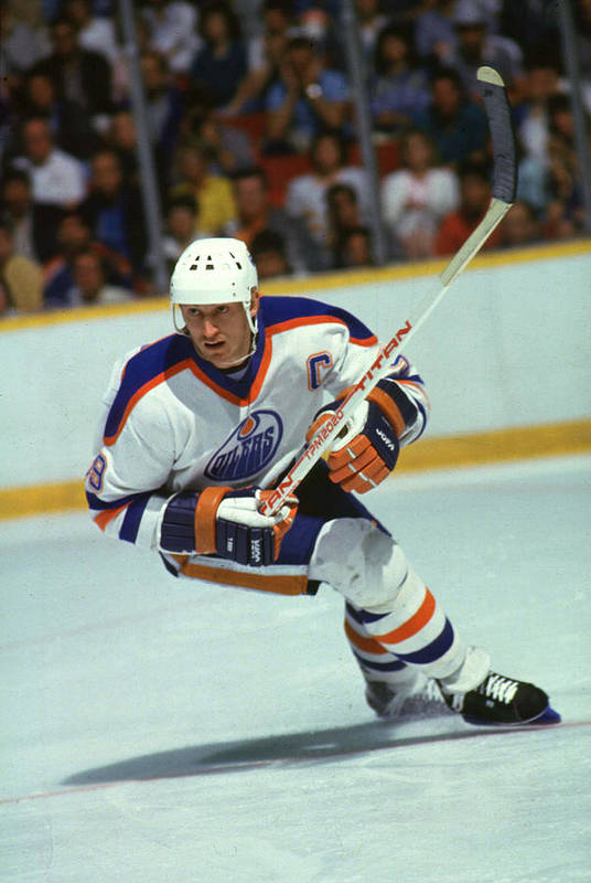1980-1989 Art Print featuring the photograph Gretzky In Action by B Bennett