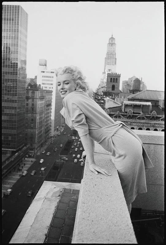 Marilyn Monroe Art Print featuring the photograph Marilyn On The Roof by Michael Ochs Archives