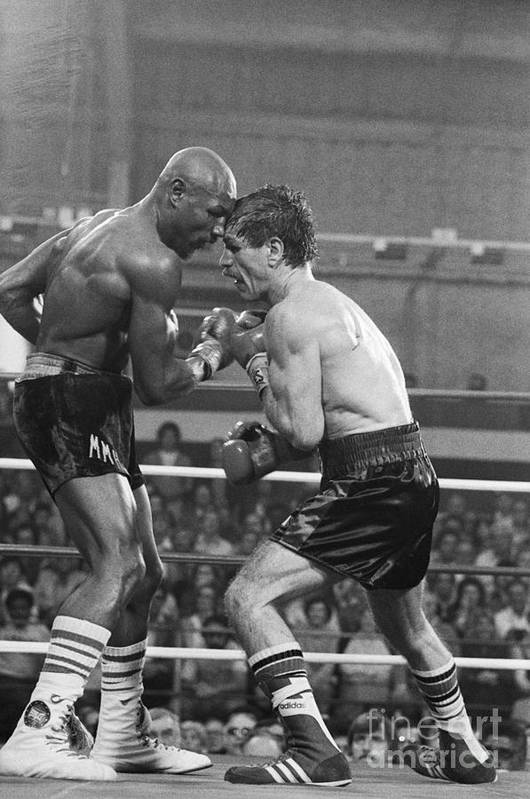 People Art Print featuring the photograph Marvin Hagler Punching Vito Antuofermo by Bettmann