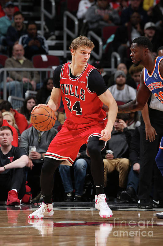 Chicago Bulls Art Print featuring the photograph Lauri Markkanen by Gary Dineen
