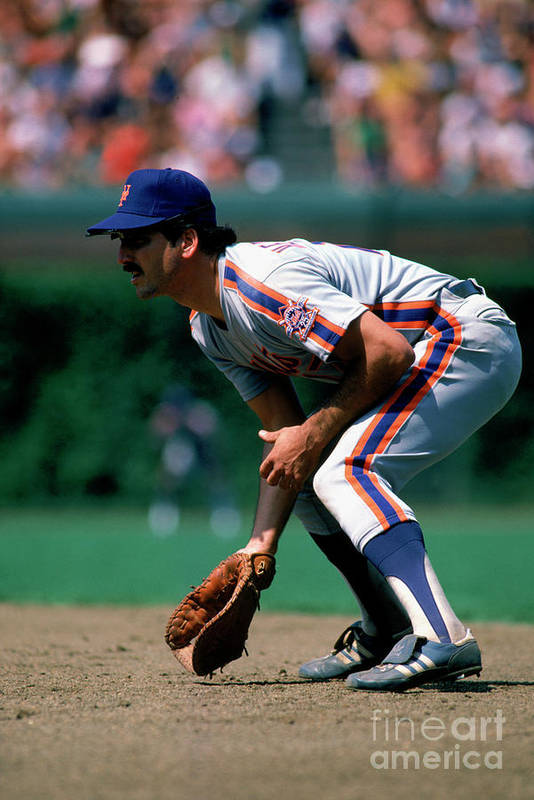 1980-1989 Art Print featuring the photograph Keith Hernandez by Ron Vesely