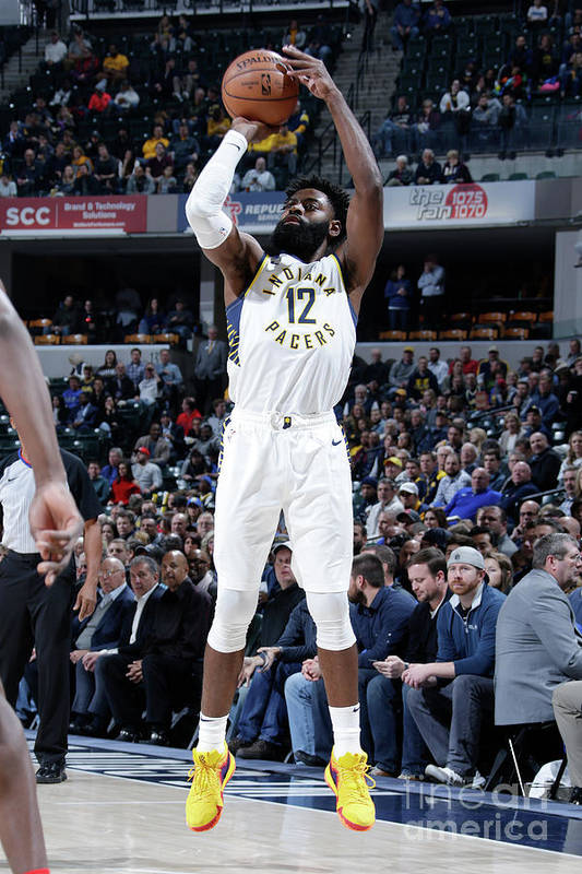 Nba Pro Basketball Art Print featuring the photograph Tyreke Evans by Ron Hoskins