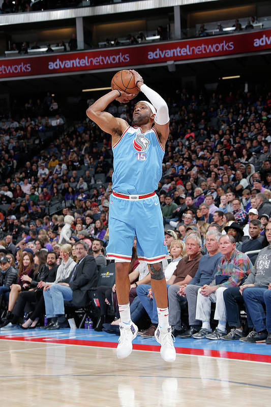 Nba Pro Basketball Art Print featuring the photograph Vince Carter by Rocky Widner