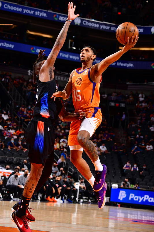 Nba Pro Basketball Art Print featuring the photograph Cameron Payne by Barry Gossage