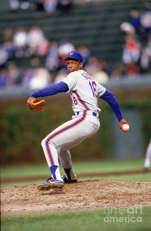 Dwight Gooden Art Print featuring the photograph Dwight Gooden by Ron Vesely