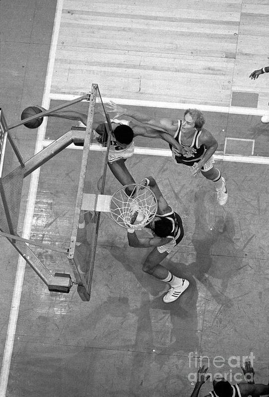 Playoffs Art Print featuring the photograph Julius Erving and Kareem Abdul-jabbar by Jim Cummins