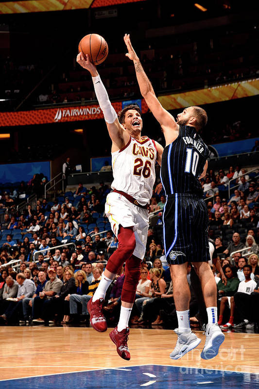 Nba Pro Basketball Art Print featuring the photograph Kyle Korver by Gary Bassing