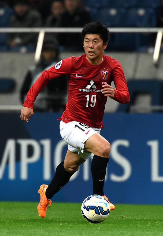 Saitama City Art Print featuring the photograph Urawa Red Diamonds v Beijing Guoan - AFC Champions League Group G by Etsuo Hara
