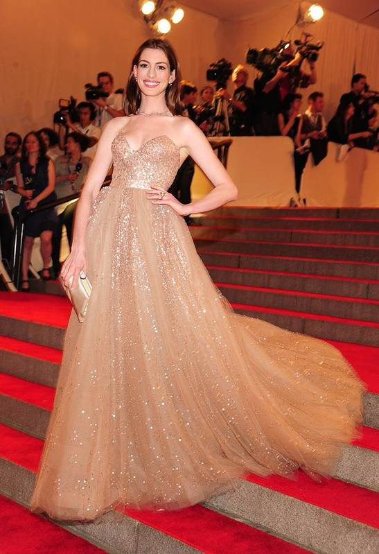 Anne Hathaway Art Print featuring the photograph Anne Hathaway Wearing A Valentino Gown by Everett