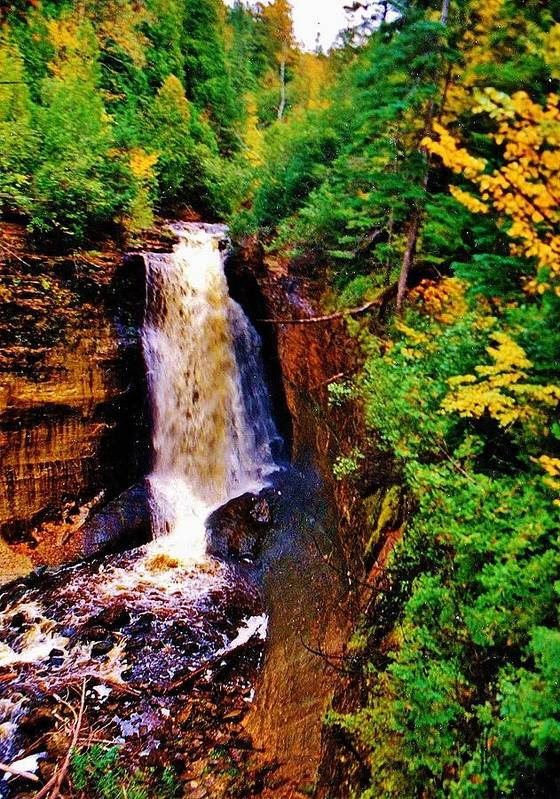 Miners Falls Art Print featuring the photograph Miner's Falls by Daniel Thompson
