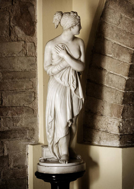 Statue Art Print featuring the photograph Peering Woman by Marilyn Hunt