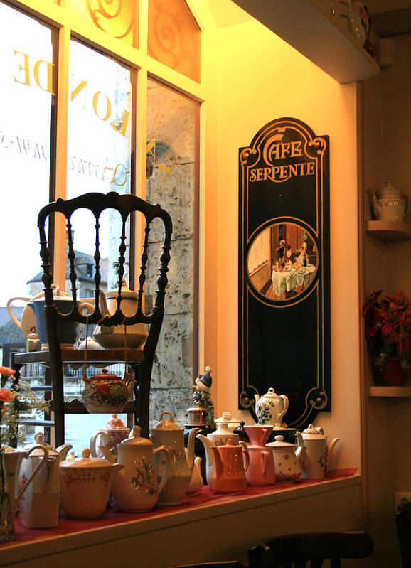 Chartres Art Print featuring the photograph Chartres Cafe by A Morddel