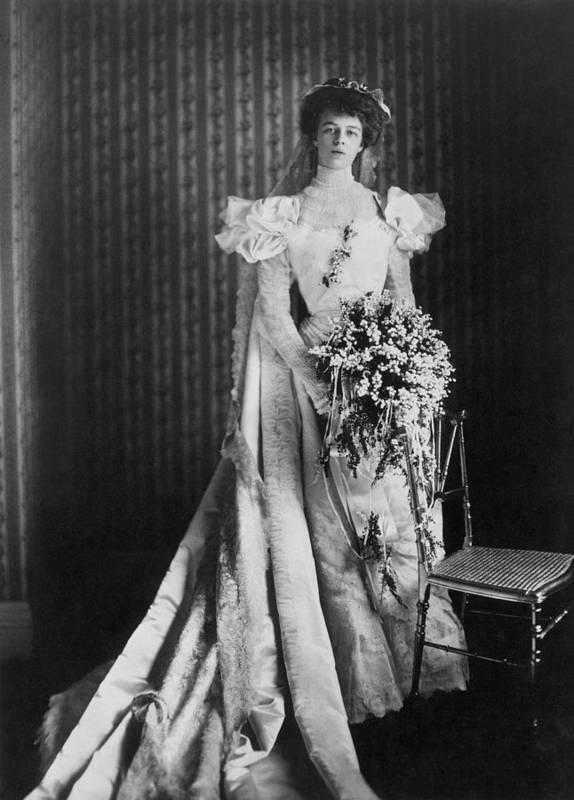 1905 Art Print featuring the photograph Anna Eleanor Roosevelt by Granger