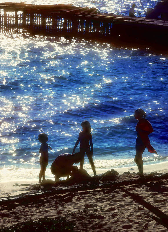 Beach Print featuring the painting Evening At The Beach by Stephen Anderson