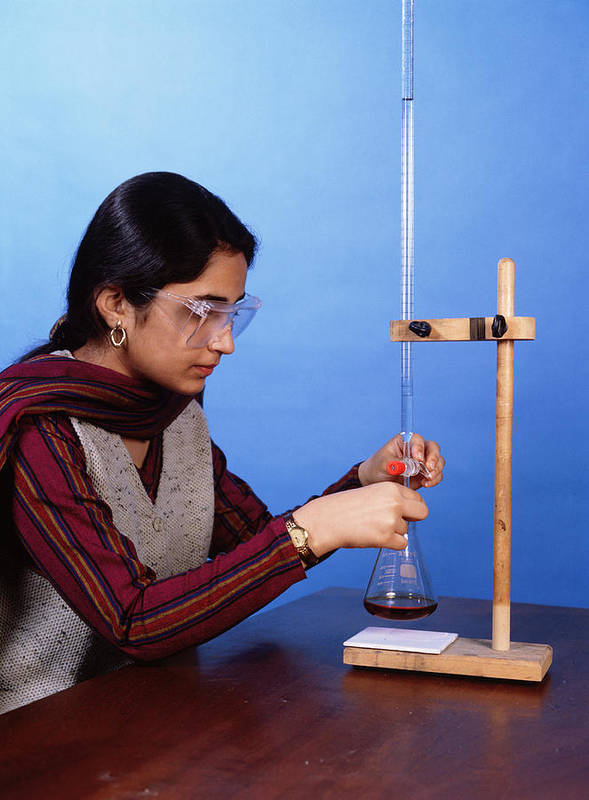 Titration Art Print featuring the photograph Student Performing Titration by Andrew Lambert Photography