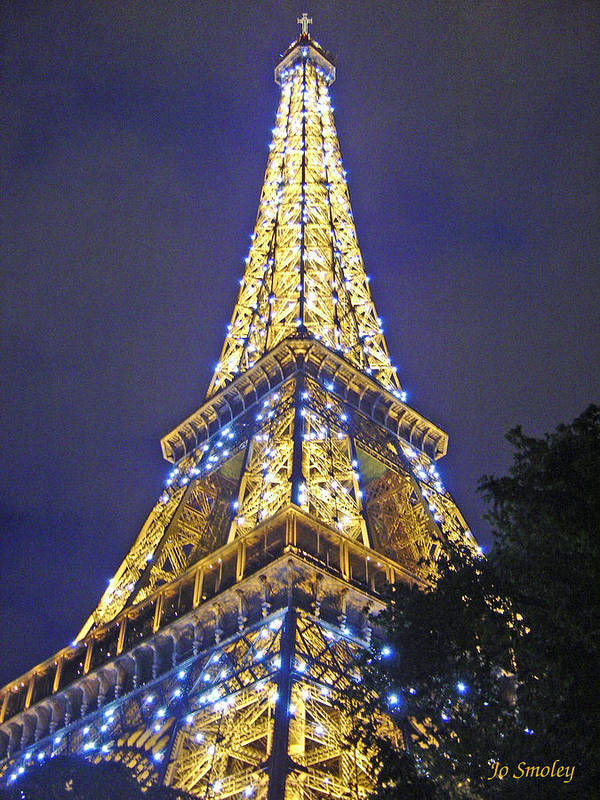 Eiffel Tower Paris France Art Print featuring the photograph Tour Eiffel 2007 by Joanne Smoley