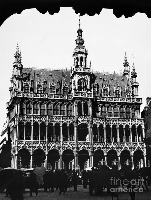 15th Century Art Print featuring the photograph Grand Palace, Brussels by Granger