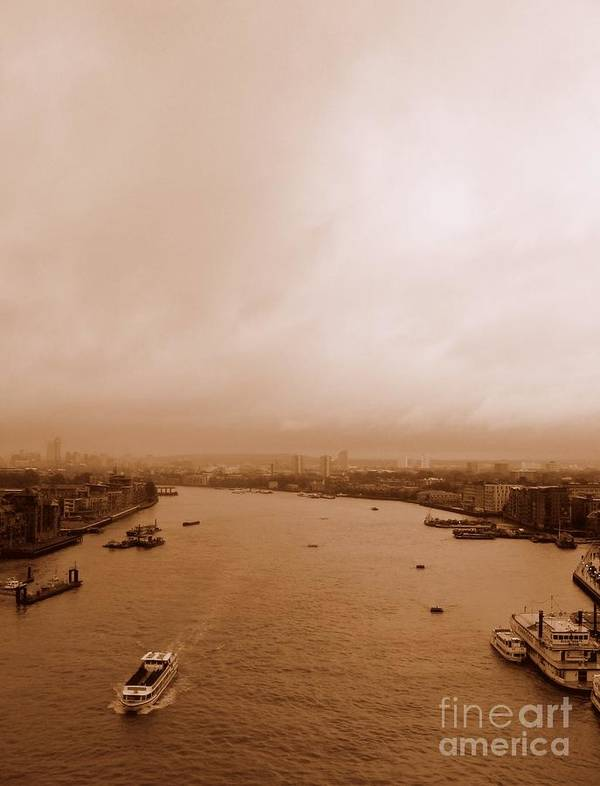 Thames Art Print featuring the photograph Thames by Anita Kovacevic