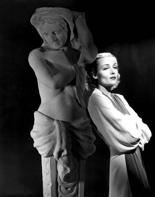 1930s Portraits Art Print featuring the photograph Carole Lombard In The 1930s by Everett